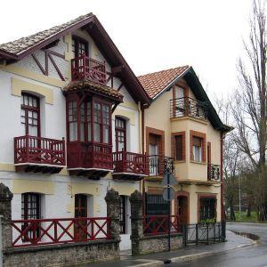 Dos casas tradicionales